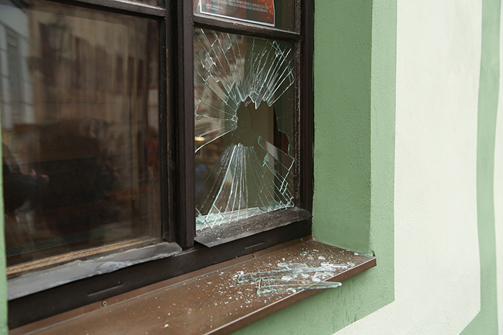 A2B Glass are able to board up broken windows while they are being repaired in Southfields.